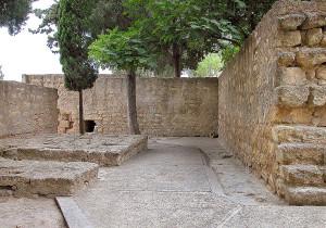 صوره توضح البوابة الشماليه لمدينة الزهراء