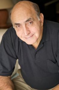 الكاتب الفرنسى جيلبرت سينويه