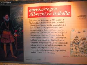 ولضمان ولاء الأراضي الهولندية للإمبراطورية الإسبانية سُلِّمَت الأراضي في تلك الفترة (1598)للأرشيدوق Alberto de Austria ألبرتو دي أوستريا و Isabel Clara Eugenia إزابيل كلارا إيوخينيا وهما صهر وشقيقة Felipe III فيليب الثالث. هكذا حكما هولندا مع ضمان تبعيتها للإمبراطورية الإسبانية.