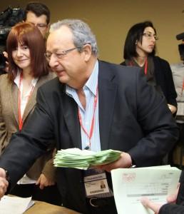 السياسي الباسكي المحامي خوسي ماريا بنيغاس حداد من أب إسباني قد ينحدر من آل بن يغش الأندلسية ومن والدة لبنانية يهودية دوريس حدَّاد