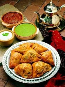 السمبوسة طبق عالمي يحاصر موائد رمضان من الهند إلى الأندلس