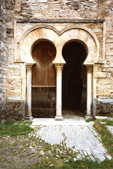 كنيسة سانتياجو دي بنيالبا